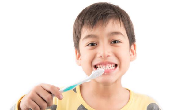 子どもの歯磨き【6歳から10歳】仕上げ磨きはいつまで必要なの?